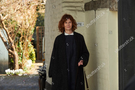 Siobhan Redmond as Derran Finch.