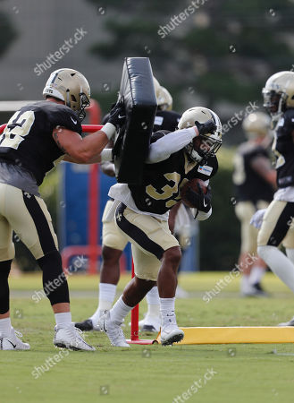 New Orleans Saints running back Shane Vereen (35) goes through drills during training camp at their NFL football training facility in Metairie, La