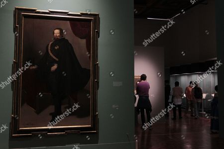 View of the work 'Gaspar de Guzman Count Duque de Olivares' (c.a 1625-1626), by Diego Rodriguez de Silva y Velazquez, 1599-1660, during the exhibition 'Treasures of the Hispanic Society of America', in Palacio de Bellas Artes, in Mexico City, Mexico, 31 July 2018. The Duchess of Alba portrayed by Francisco de Goya and three other iconic Spanish works 'come to life' thanks to a cell phone application presented today that allows interacting with paintings through augmented reality.