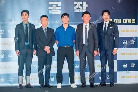 "Ju Ji-Hoon, Lee Sung-Min, Yoon Jong-Bin, Hwang Jung-min and Cho Jin-Woong, : South Korean film director Yoon Jong-Bin (C) poses with cast members Ju Ji-Hoon (L), Lee Sung-Min (2nd L), Hwang Jung-min (2nd R) and Cho Jin-Woong (R) at a press conference for their new film 'The Spy Gone North' at a theatre in Seoul, South Korea. The spy film tells the story of a South Korean spy who goes undercover as a businessman in North Korea in the 1990s to infiltrate North's nuclear facilities using the codename ""Black Venus""."