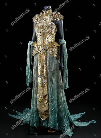 Nephthys (Emma booth) Invasion Outfit