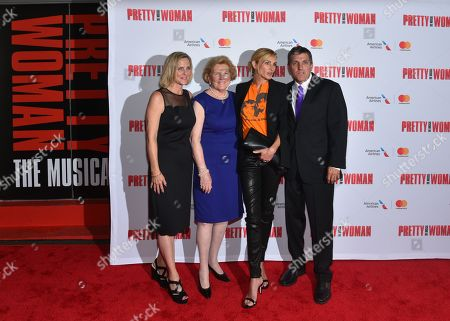Kathleen Marshall, Barbara Marshall, Julia Roberts, Scott Marshall