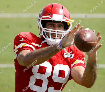 Stock Image of Kansas City Chiefs tight end Jace Amaro catches a ball during NFL football training camp, in St. Joseph, Mo