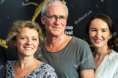 """(L-R) German director Sandra Nettelbeck, American-Austrian actor August Zirner and German actress Leonie Haemer pose during a photocall for the film """"Was uns nicht umbringt"""" at the 71st Locarno International Film Festival, in Locarno, Switzerland, 03 August 2018. The Festival del film Locarno 2018 runs from 01 to 11 August."""