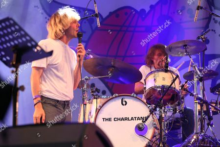 The Charlatans and Frightened Rabbit perform a Frightened Rabbit song in tribute to the late Scott Hutchison, lead singer of Frightened Rabbit - Tim Burgess and Grant Hutchison