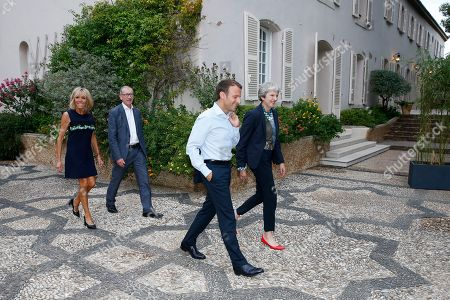 Stockbilder Patheresa May Emmanuel Macron Meeting Fort De Exklusiva Shutterstock