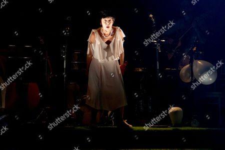 Eileen Nicholas as Older Helena