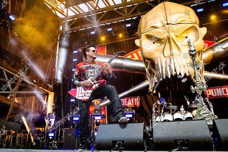 Five Finger Death Punch - Jason Hook and Jeremy Spencer