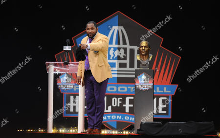 best service 1c028 18e76 NFL Hall Fame celebration Chattanooga Stock Photos ...