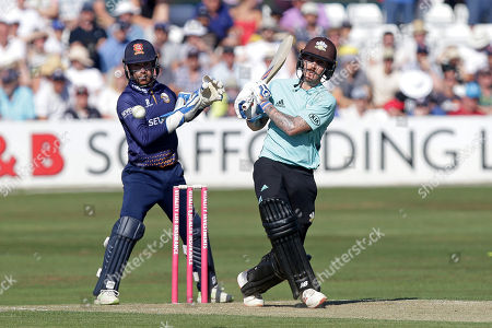 Nic Maddinson in batting action for Surrey as Adam Wheater looks on from behind the stumps during Essex Eagles vs Surrey, Vitality Blast T20 Cricket at The Cloudfm County Ground on 5th August 2018