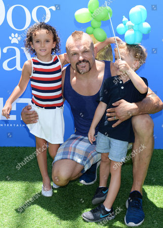 Chuck Liddell and kids