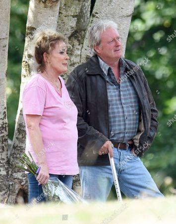 Charles Lawson plays Jim McDonald and Beverley Callard plays Liz McDonald.