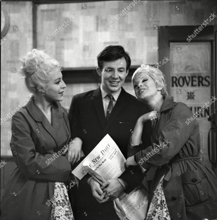 Yvonne Walsh (as Della Dee), Philip Lowrie (as Dennis Tanner) and Sheila Fearn (as Gloria Dee)