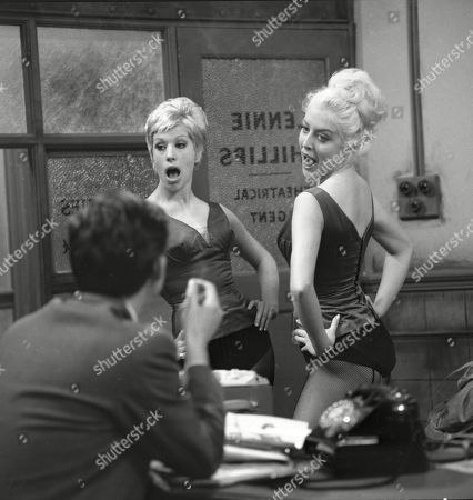 Philip Lowrie (as Dennis Tanner), Sheila Fearn (as Gloria Dee) and Yvonne Walsh (as Della Dee)
