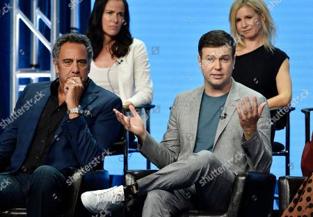 "Taran Killam, Katherine Pope, Brad Garrett, JJ Philbin. Taran Killam, front right, a cast member in the Disney ABC television series ""Single Parents,"" answers a question as fellow cast member Brad Garrett, front left, executive producer Katherine Pope, top left, and co-creator/executive producer JJ Philbin look on during the 2018 Television Critics Association Summer Press Tour, in Beverly Hills, Calif"