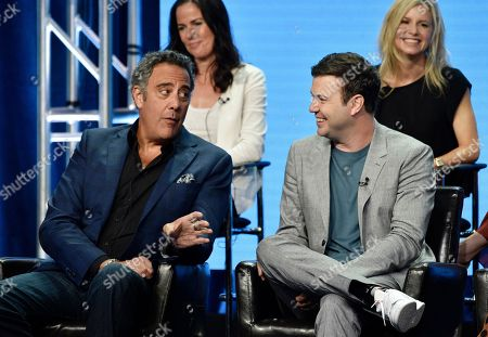 "Brad Garrett, Taran Killam, Katherine Pope, JJ Philbin. Brad Garrett, left, a cast member in the Disney ABC television series ""Single Parents,"" gestures to fellow cast member Taran Killam, right, as executive producer Katherine Pope, top left, and co-creator/executive producer JJ Philbin look on during the 2018 Television Critics Association Summer Press Tour, in Beverly Hills, Calif"