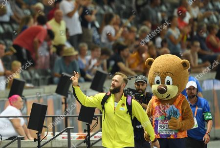 Robert Harting of Germany waves to fans as he leaves the stadium after the Men's Discus Throw final at the Athletics 2018 European Championships, Berlin, Germany, 08 August 2018.