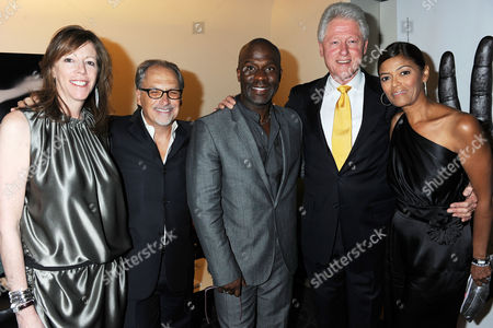 Bill Clinton (2nd R) and Jerry Inzerillo (2nd L), Bebe Winans and Prudence Solomon (r)