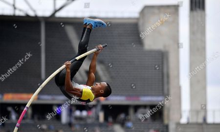 Germany's Raphael Holzdeppe makes an attempt in the men's pole vault qualification at the European Athletics Championships at the Olympic stadium in Berlin, Germany