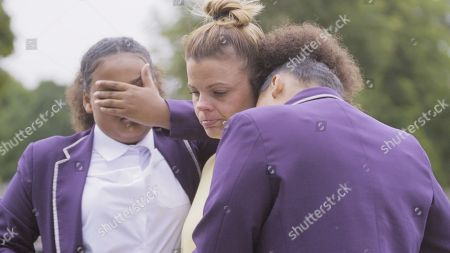 Stock Picture of Danielle Cooper with her twin daughters Niyah and Yahla