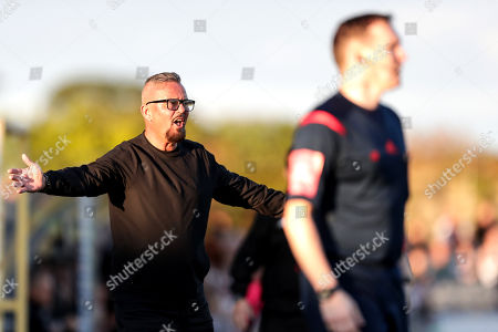 Dundalk vs Cobh Ramblers. Cobh manager Stephen Henderson reacts to Dundalk's goal