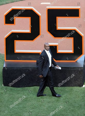 """Former San Francisco Giants player Barry Bonds during his team jersey number """"25"""" retirement ceremony at AT&T Park prior to the Giants MLB game against the Pittsburgh Pirates in San Francisco, California, USA, 11 August 2018. Bond's late father, Bobby, who played for the Giants also wore jersey """"25"""".  Bond's holds the MLB record for most home run in a single season with 73 home runs, and for career home runs at 762."""