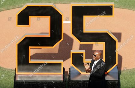 Former San Francisco Giants player Barry Bonds acknowledges the crowd during his team jersey number '25' retirement ceremony at AT&T Park prior to the Giants MLB game against the Pittsburgh Pirates in San Francisco, California, USA, 11 August 2018.