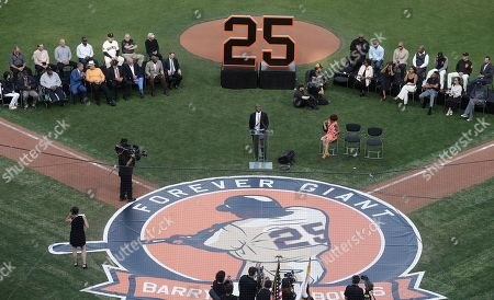 Former San Francisco Giants player Barry Bonds (C) speaks during a ceremony to retire his jersey number before a baseball game between the Giants and the Pittsburgh Pirates in San Francisco, California, USA, 11 August 2018.