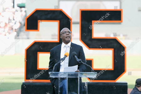 """Former San Francisco Giants player Barry Bonds speaks to  the crowd during a ceremony to retire his #25 jersey at AT&T Park in San Francisco, California, USA, 11 August 2018. Bond's late father, Bobby, who played for the Giants also wore jersey """"25"""".  Bond's holds the MLB record for most home run in a single season with 73 home runs, and for career home runs at 762."""