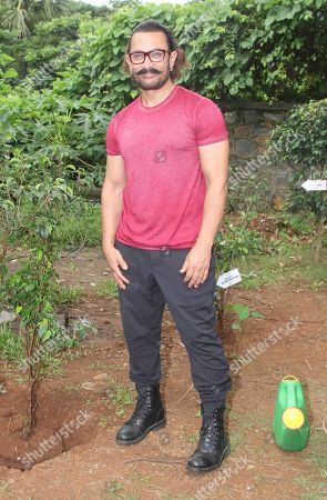 Aamir Khan planted saplings at an institute in Goregaon