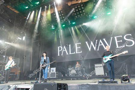Pale Waves - Hugo Silvani, Heather Baron-Gracie, Ciara Doran and Charlie Wood