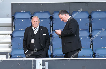 Barry Fry Director of Football at Peterborough (L)
