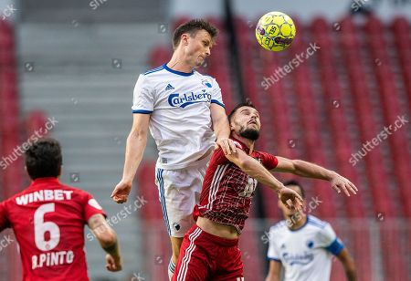 William Kvist (L) of FC Copenhagen and Kristiyan Malinov of CSKA Sofia in action during the UEFA Europa League qualification match between FC Copenhagen and PFC CSKA Sofia, in Copenhagen, Denmark, 16 August 2018.