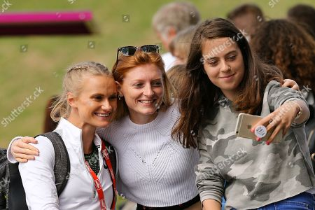 Women's Pault Vaulter Katie Nageotte (USA) poses with fans during the Muller Grand Prix at Alexander Stadium, Birmingham. Picture by Ian Stephen