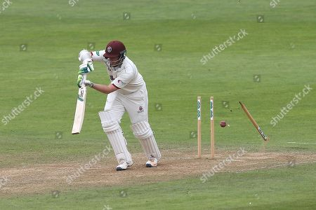 Steven Davies of Somerset is bowled out by Jamie Porter during Somerset CCC vs Essex CCC, Specsavers County Championship Division 1 Cricket at The Cooper Associates County Ground on 19th August 2018