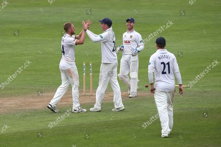 Jamie Porter of Essex celebrates with his team mates after taking the wicket of Steven Davies during Somerset CCC vs Essex CCC, Specsavers County Championship Division 1 Cricket at The Cooper Associates County Ground on 19th August 2018