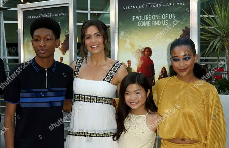 """Skylan Brooks, from left, Mandy Moore, Miya Cech and Amandla Stenberg arrive at the LA Premiere of """"The Darkest Minds"""" at the Arclight Hollywood, in Los Angeles"""
