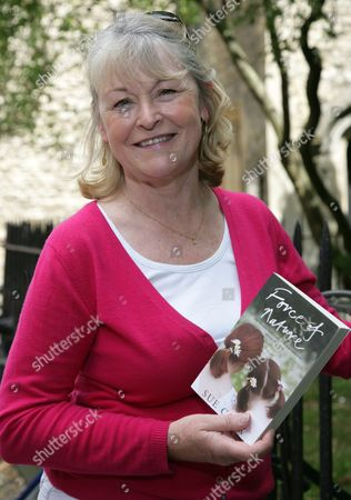 Editorial picture of Sue Cook at Borders to promote her book 'Second Nature', Oxford, Britain - 18 Jul 2009