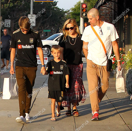 Toth tennessee witherspoons reese son james Reese Witherspoon