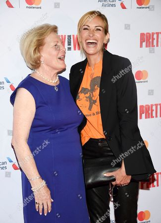"""Late director Garry Marshall's wife Barbara Marshall, left, poses with actress Julia Roberts at a Garry Marshall tribute performance of """"Pretty Woman: The Musical"""" at The Nederlander Theatre, in New York"""