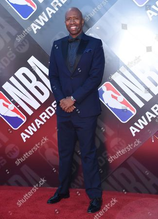 Kenny Smith arrives at the NBA Awards, at the Barker Hangar in Santa Monica, Calif
