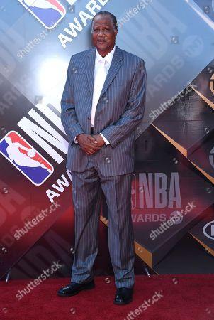 Jamaal Wilkes arrives at the NBA Awards, at the Barker Hangar in Santa Monica, Calif