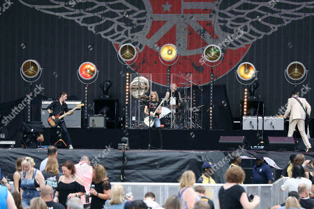 Chrissie Hynde, Martin Chambers, Nick Wilkinson, James Walbourne, Eric Heywood and Carwyn Ellis with The Pretenders perform with Def Leppard at SunTrust Park, in Atlanta