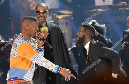 Jamie Foxx, from left, Snoop Dogg and Tye Tribbett perform at the BET Awards at the Microsoft Theater, in Los Angeles