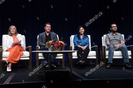 "Stock Photo of Meredith Vieira, from left, Nicholas Sparks, Diana Gabaldon and Wil Wheaton participate in the ""The Great American Read"" panel during the TCA Summer Press Tour, in Beverly Hills, Calif"