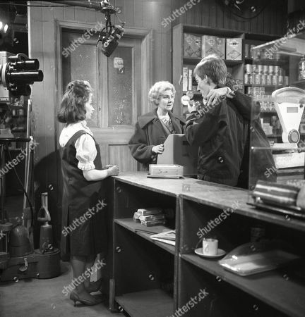 Angela Crow (as Doreen Lostock), Betty Alberge (as Florrie Lindley) and Christopher Sandford (as Walter Potts)