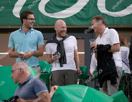 20.08.2018, Football DFB Pokal 2018/2019, 1. round, SpVgg Greuther Fuerth - Borussia Dortmund, Sportpark Ronhof in Fuerth.  middle: Matthias Sammer (BVB) and Geschaeftsfuehrer Hans-Joachim Watzke (re, Dortmund) .