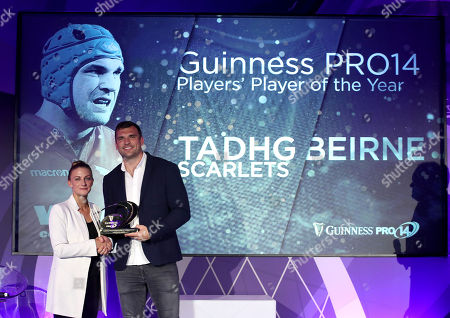 Guinness PRO14 Players? Player of the Year Award winner Tadhg Beirne of Scarlets with Kate Moore, Sponsorship Manager for Diageo