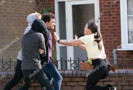 Ep 9547 Wednesday 29th August 2018 - 2nd Ep Two masked teens grab Simon Barlow, as played by Alex Bain, in the street and force him into a waiting car. Seeing what's happening Kate Connor, as played by Faye Brookes, grabs Simon, dragging him to safety.