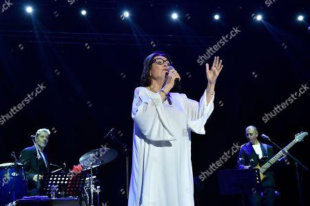 Lebanese singer nana mobile